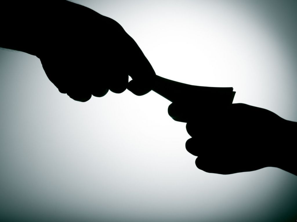 How to fight corruption: Time for qui tam laws?