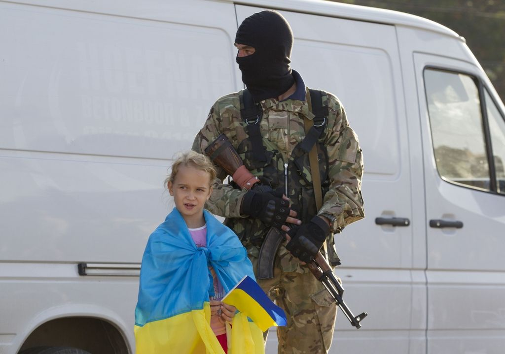 Ukraine Keeps Its Balance as Economy Teeters at Abyss' Edge
