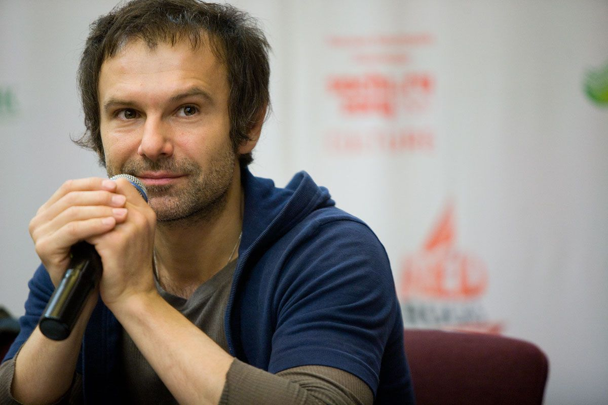 """VIDEO: """"Who Is Ukraine's Biggest Enemy?"""" A Lecture by Sviatoslav Vakarchuk, Yale World Fellow"""