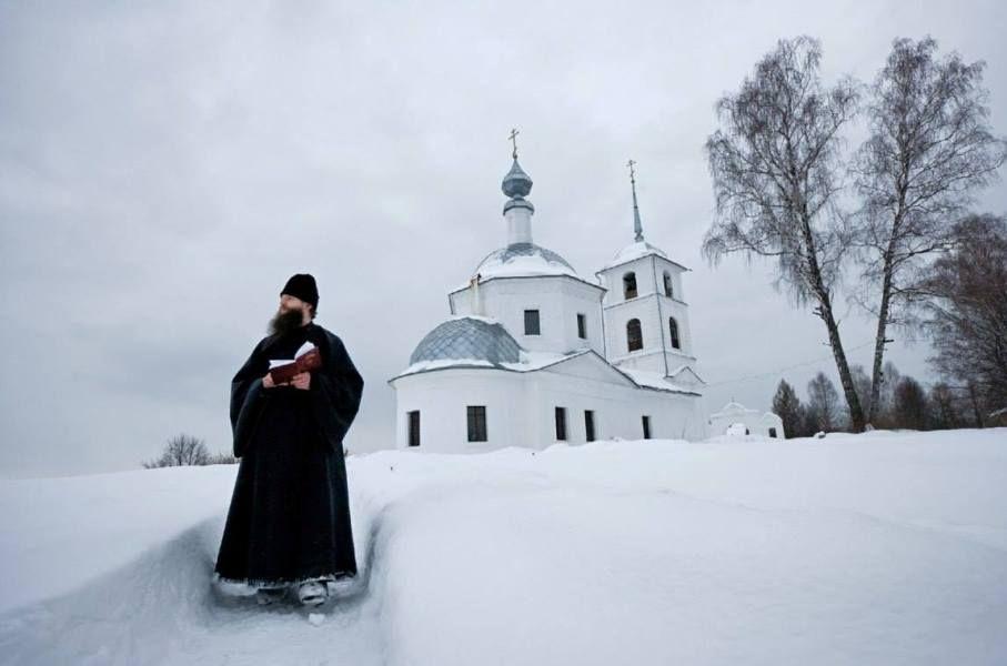 Борьба за души: как конкуренция между церквями сказывается на религиозной активности в Украине