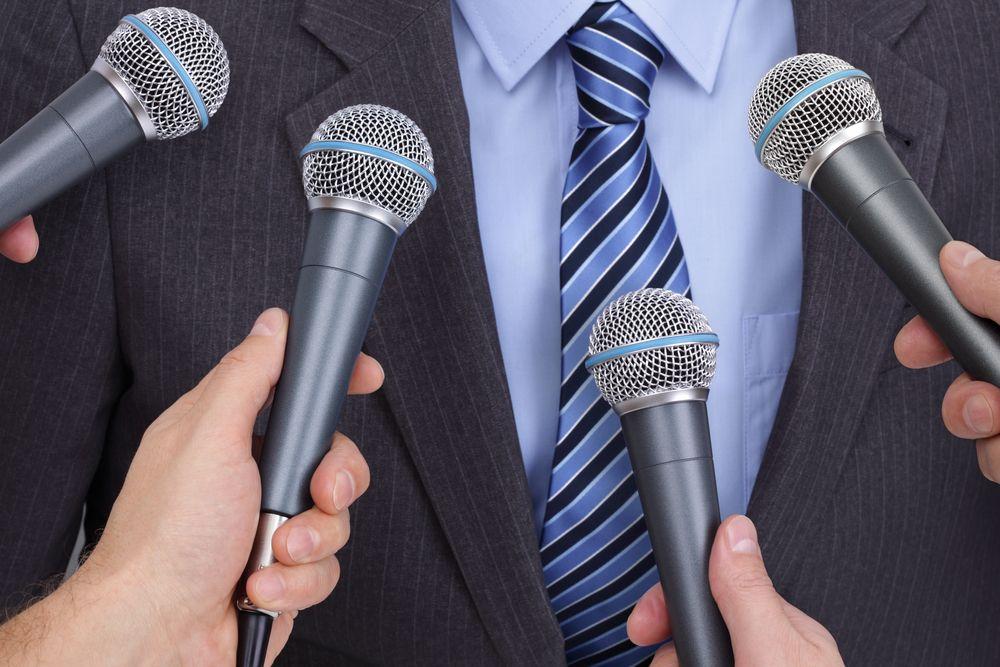 Властелины микрофона. Кто из политиков не терял времени на политических ток-шоу