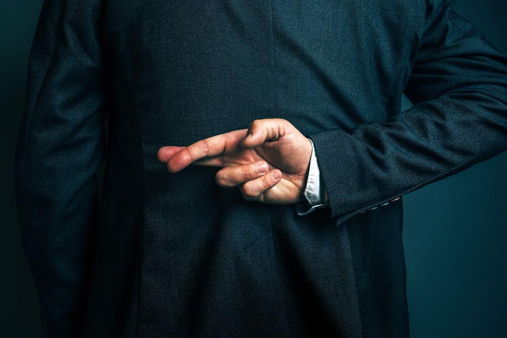 Почему большинство политиков становятся популистами? Есть ответ от выдающихся экономистов