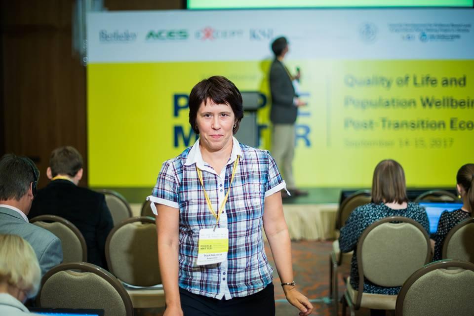 2,5 млн, або кожен десятий дорослий українець, працюють за кордоном. Це багато, але не катастрофа