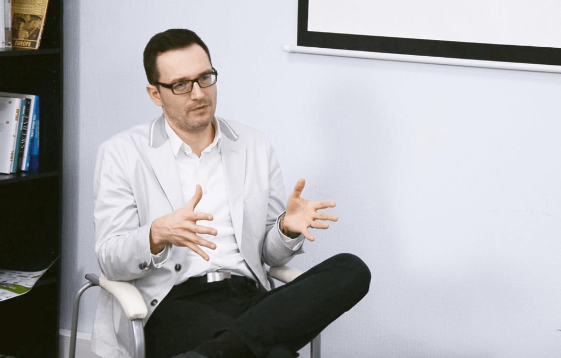 «Суспільна недовіра в Україні – це катастрофа», – інтерв'ю з Романом Шереметою