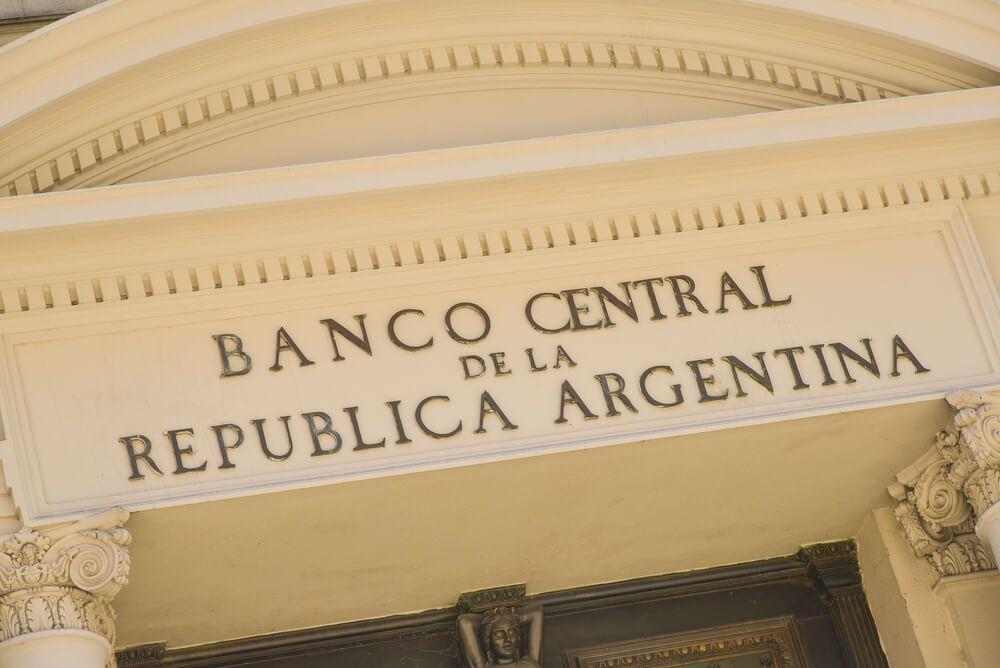 Нескінченне танго: причини валютної кризи в Аргентині та її уроки для України