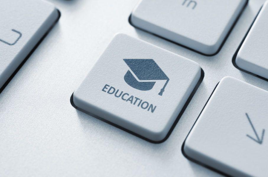 Онлайн vs офлайн. Яка освіта потрібна у 21-му сторіччі