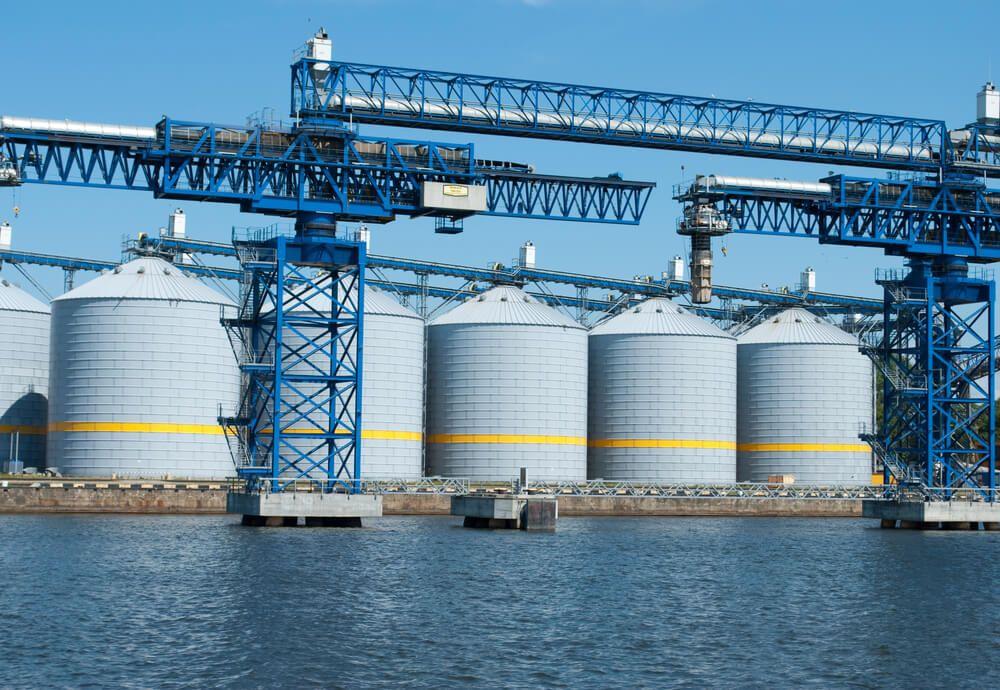 Growth and Grain: миллиард долларов на зерновые терминалы. Решает ли это проблему?