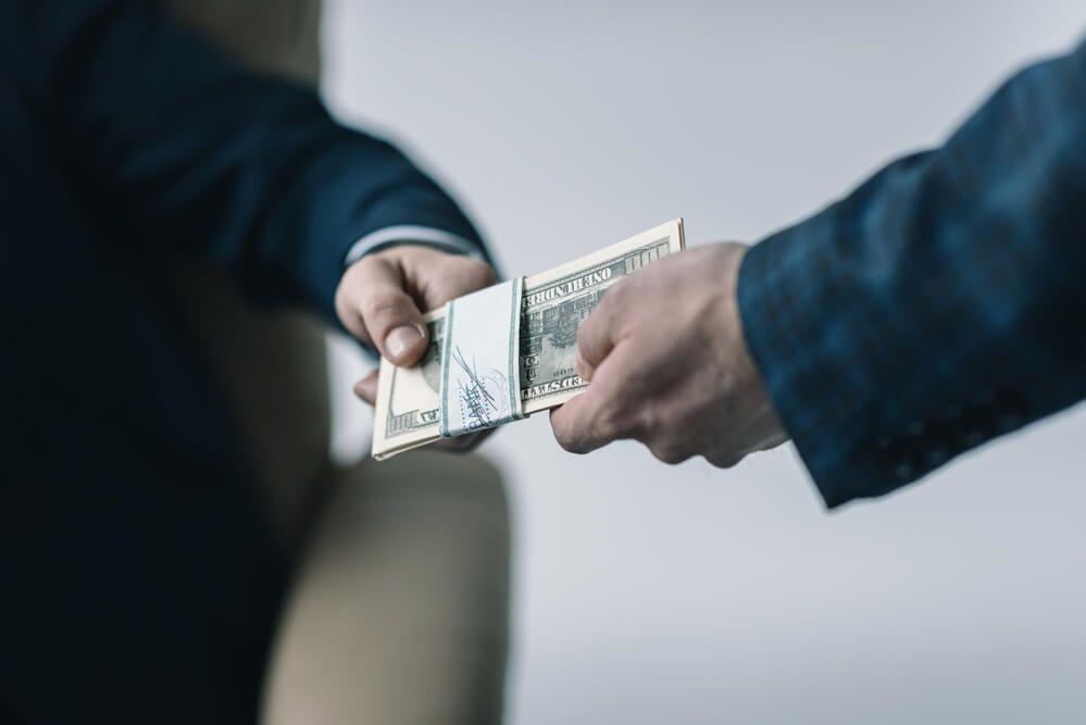Як насправді втілюються антикорупційні закони та постанови. Проект «iMoRe імплементація»
