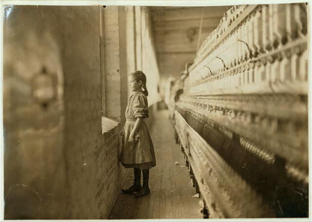 Фотографії, які змінили закон. Промисловий бум та дитяча праця у фото Льюїса Гайна