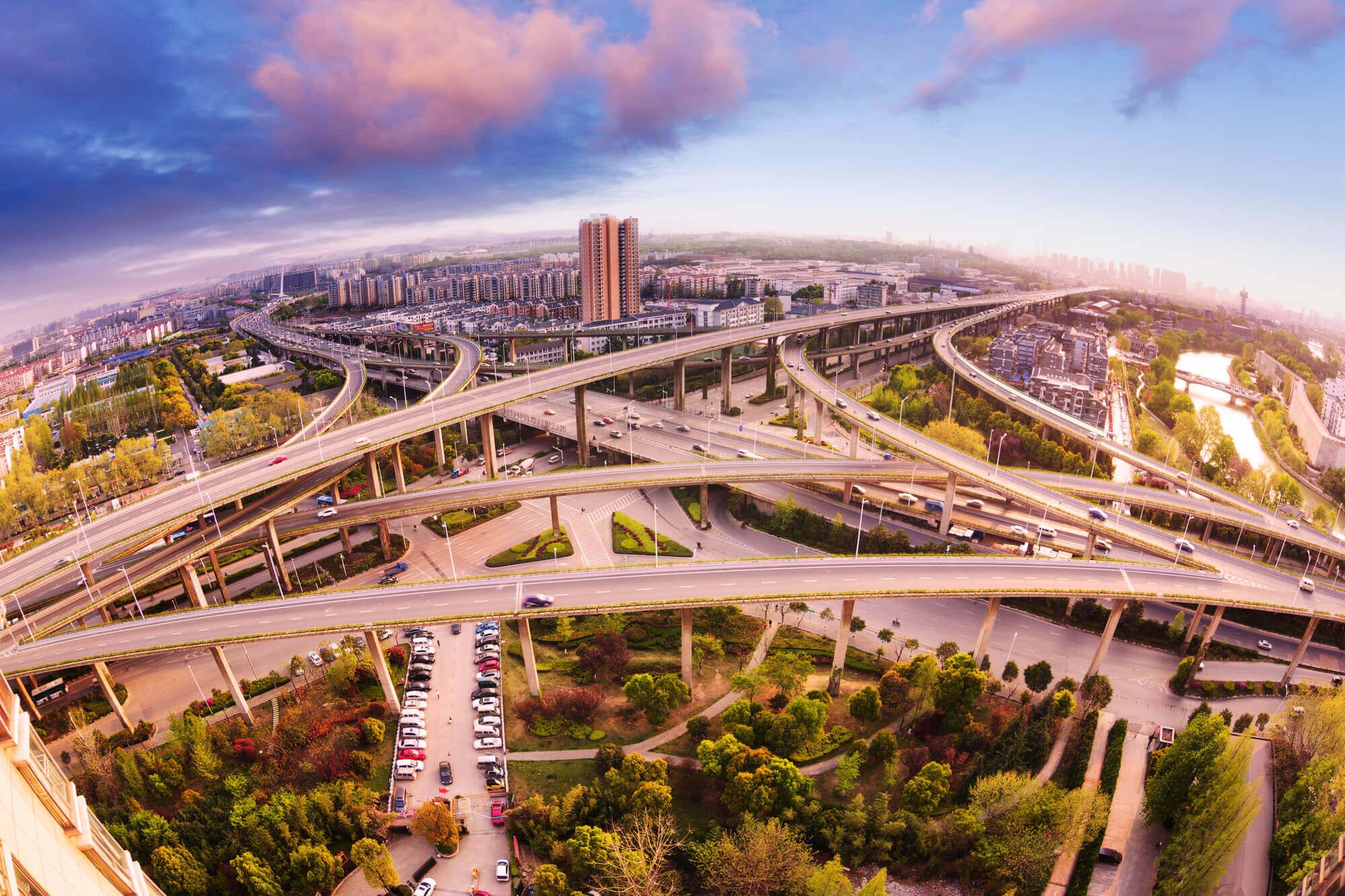 Порти, дороги, пошта. Що не так із відмовою продати інфраструктурні державні компанії