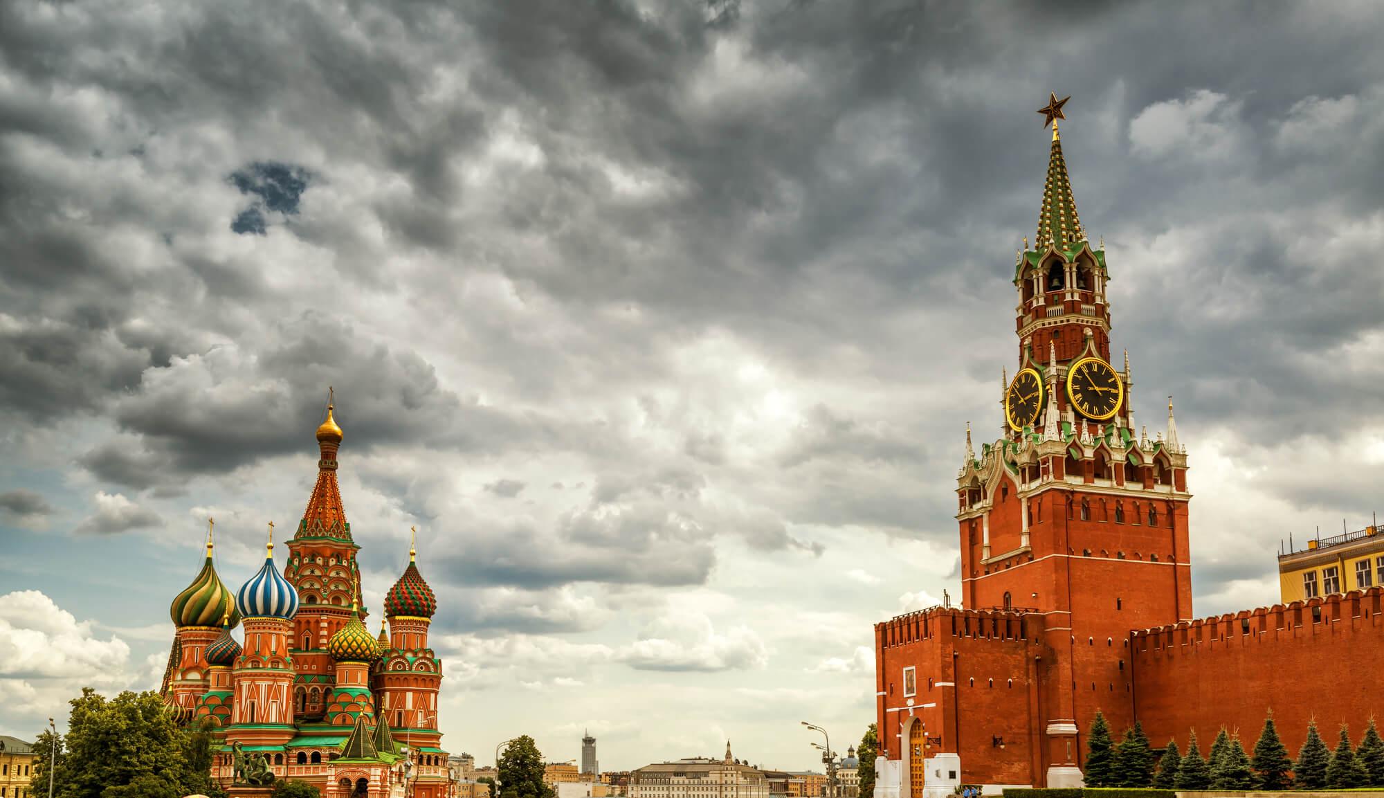 On the Historical Unity of Lies and Vladimir Putin