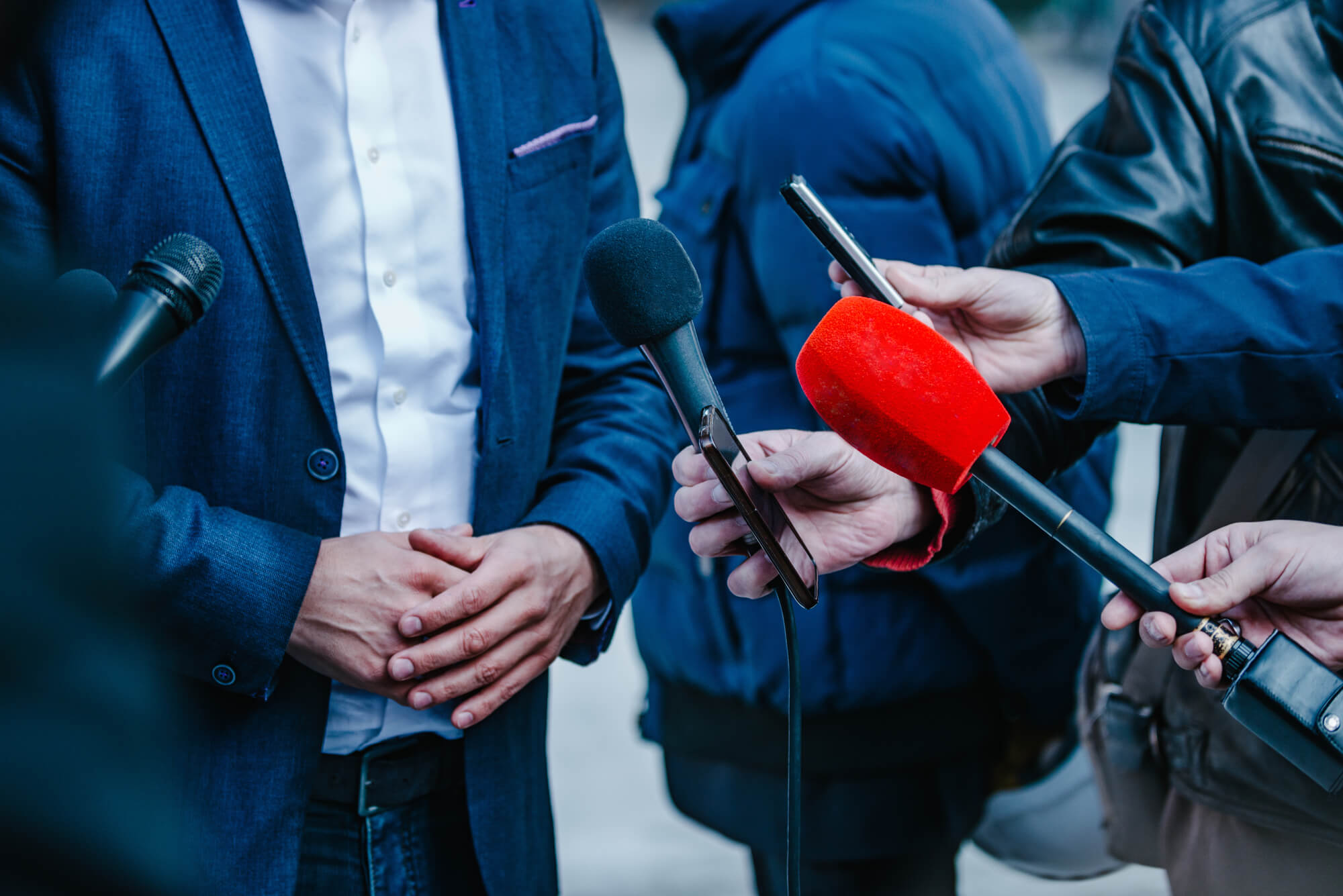 Ті, хто пояснює світ. Кого медіа вважають експертами?